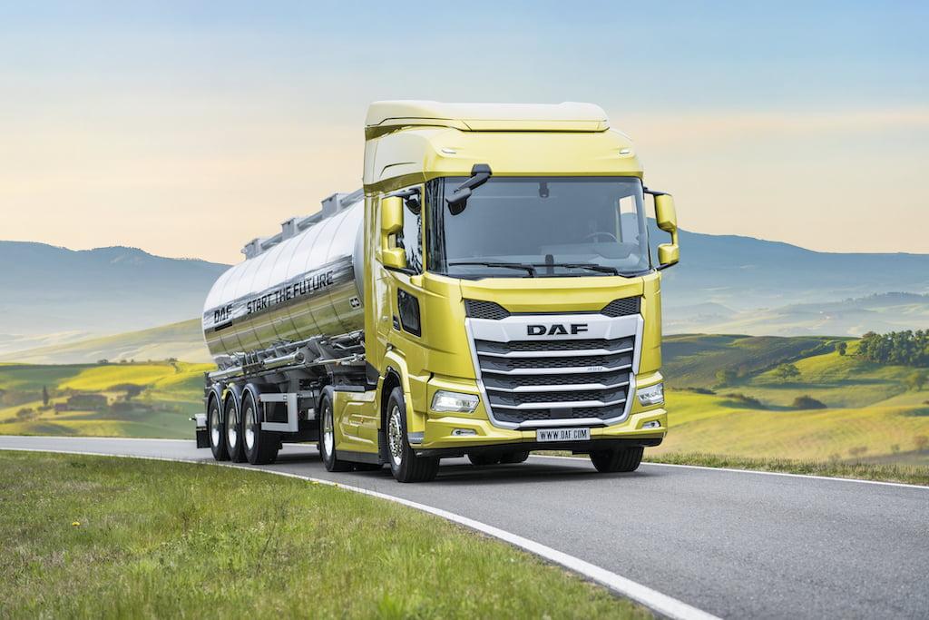 03.-New-Generation-DAF-XF-truck-including-Kerb-View-Window