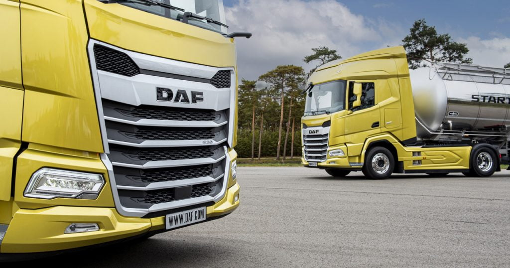3.-The-New-Generation-DAF-trucks-2021.-XG-left-and-XF-right-1024x538